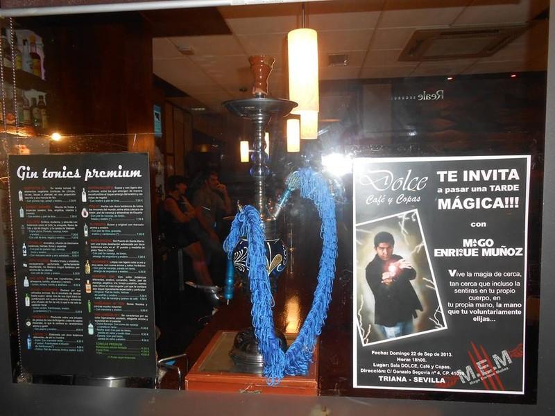 Cartel de próxima actuación en Local de Sevilla