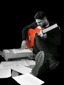 FERNANDO VIVALDI presta servicio en la subcategoría de Grupos de Jazz en Málaga