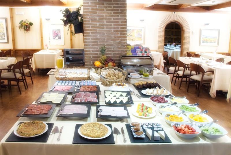 Alojamiento y Desayuno Buffet Hotel Parquesur