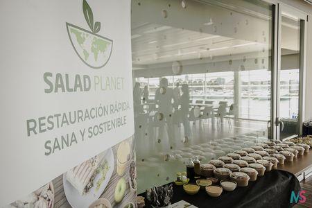 Salad Planet presta servicio en la subcategoría de Restaurantes para comidas y cenas de empresa en Valencia