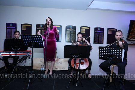Ikebana Sound presta servicio en la subcategoría de Orquestas, cantantes y grupos en Castellón
