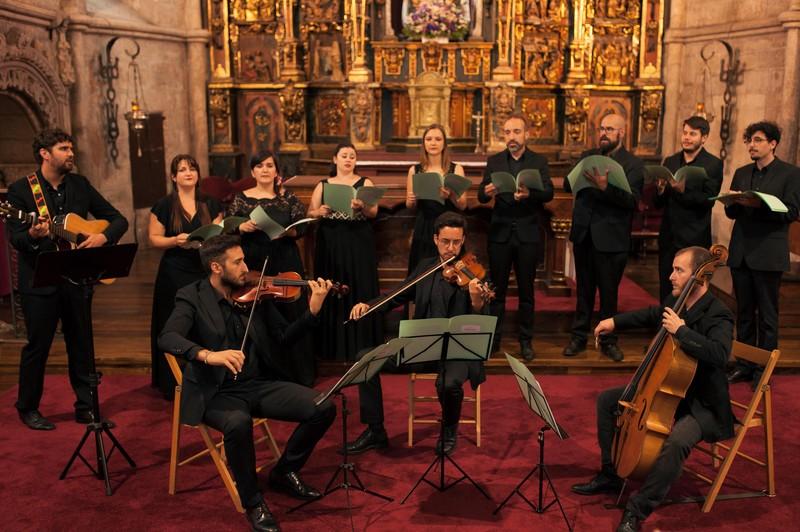 Coro Galiartist y trío de cuerda