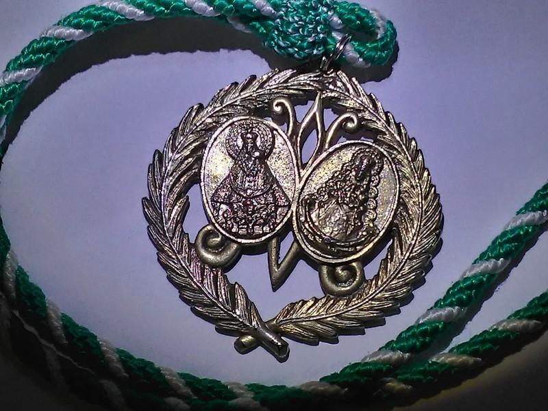 Nuestra medalla (anverso)