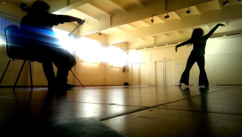 Violonchello y Bailarina