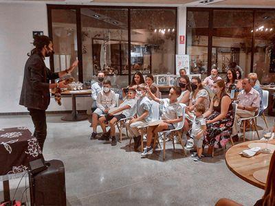 La Chistera Producciones presta servicio en la subcategoría de Magos en Madrid
