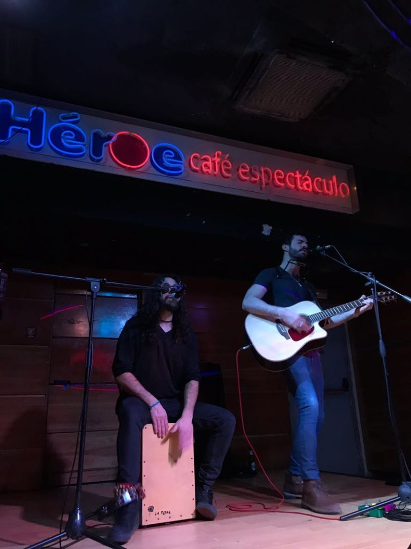 Concierto Heroe Café