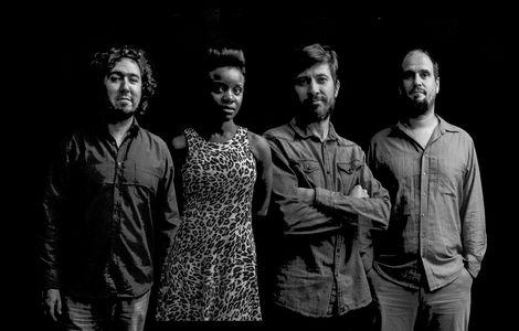 LUCKY DICES BAND presta servicio en la subcategoría de Grupos de Jazz en Barcelona