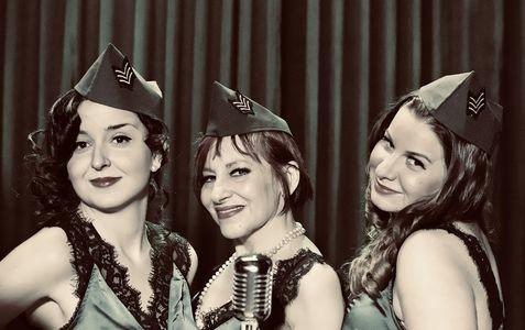 Cest si Bon Band presta servicio en la subcategoría de Grupos de Jazz en Barcelona