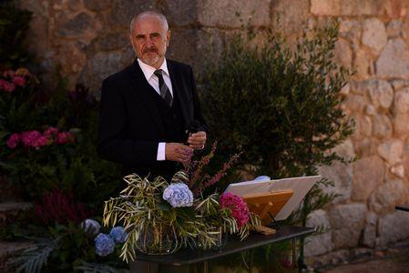 JOSÉ LINAJE, Maestro de Ceremonias presta servicio en la subcategoría de Maestros de Ceremonias, Oficiantes y Presentadores en Madrid
