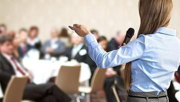 Presentadores, conferenciantes y maestros de ceremonias