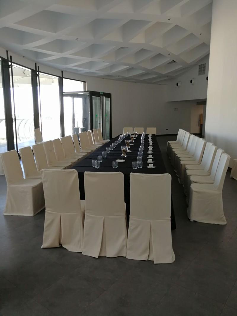 Mesa imperial en sala Parasol
