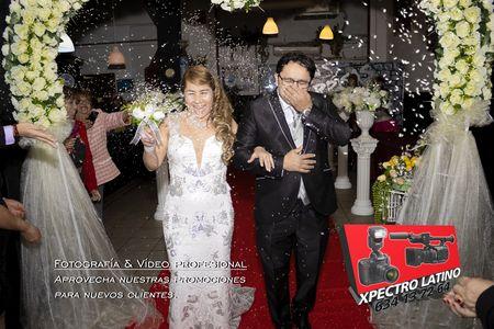 Xpectro Latino presta servicio en la subcategoría de Fotógrafos fiestas, comuniones o bautizos en Madrid
