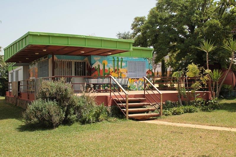 Diferentes casas para alojar a participantes o invitados