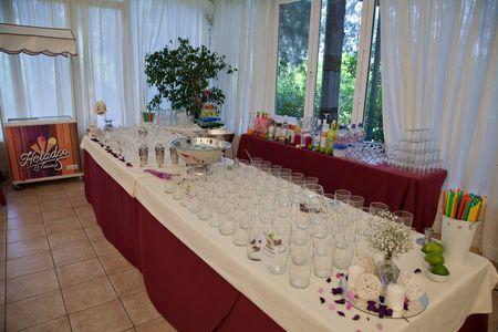 Catering María Antonia presta servicio en la subcategoría de Catering bodas en Sevilla