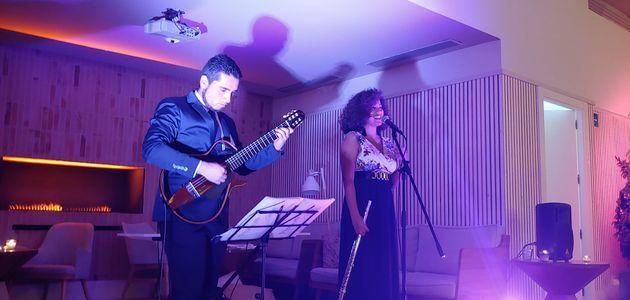 Dúo Somaris presta servicio en la subcategoría de Grupos de Jazz en Alicante