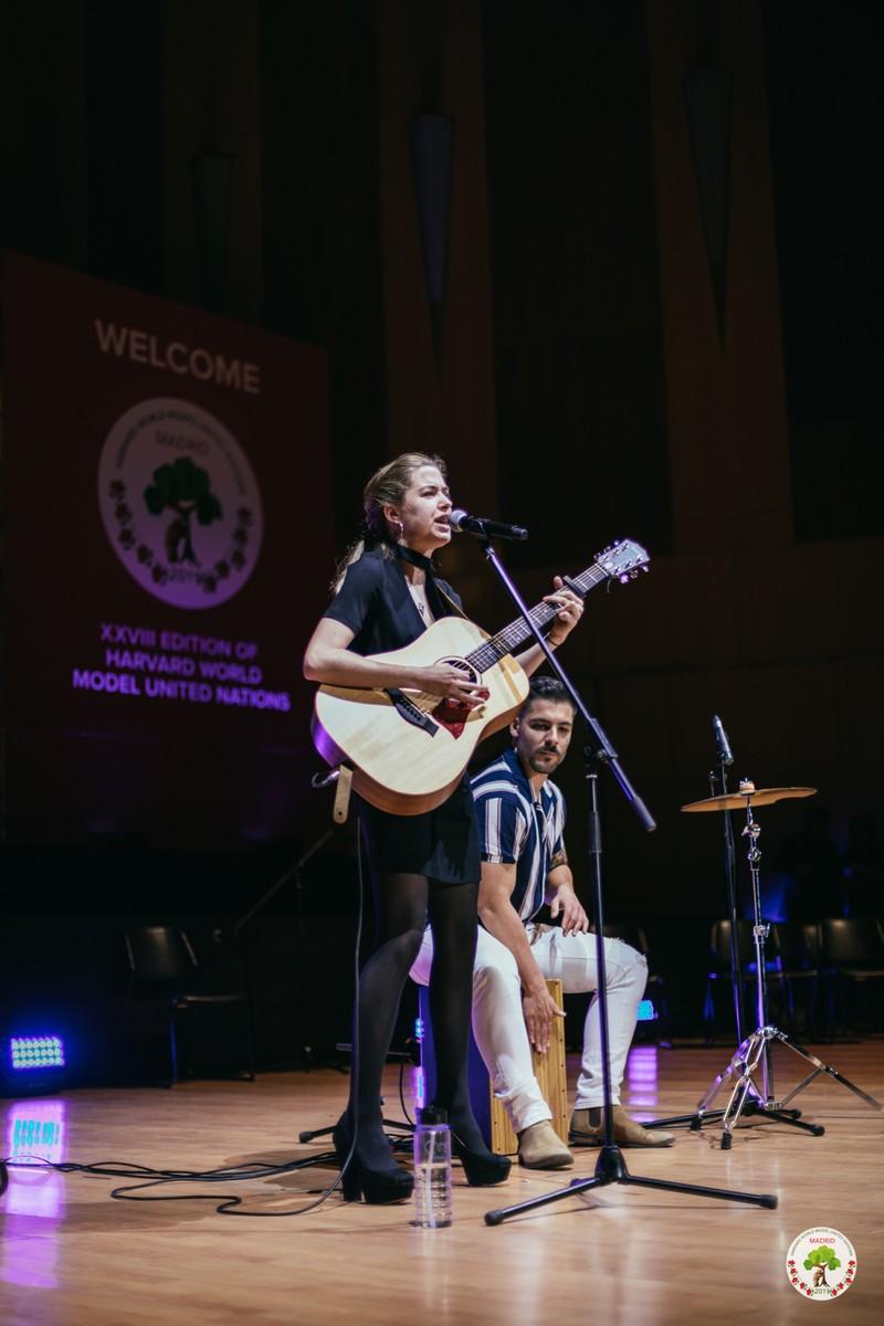 Evento Harvard 2000 personas