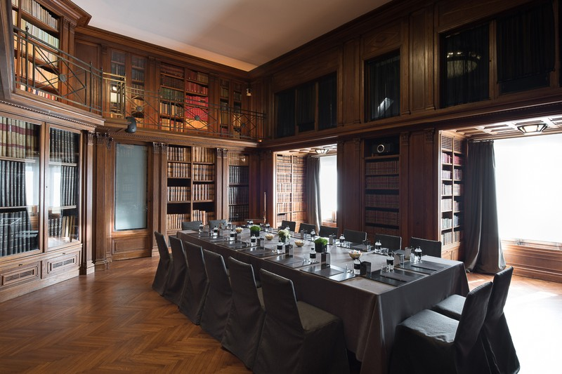 Sala Biblioteca -  Reunión