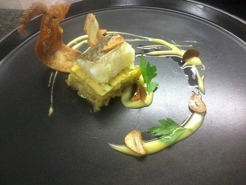 Tortilla deconstruida de bacalao