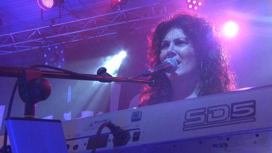 Orquesta Twins presta servicio en la subcategoría de Orquestas, cantantes y grupos en Castellón