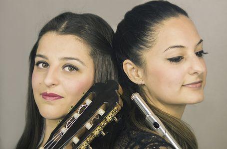 Dúo Caliope presta servicio en la subcategoría de Orquestas, cantantes y grupos en Cádiz