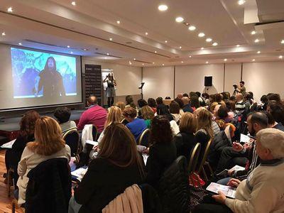 Luxury Training presta servicio en la subcategoría de Maestros de Ceremonias, Oficiantes y Presentadores en Valencia