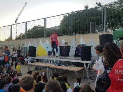 Magica Payasa Lilina presta servicio en la subcategoría de Magos para niños en Barcelona