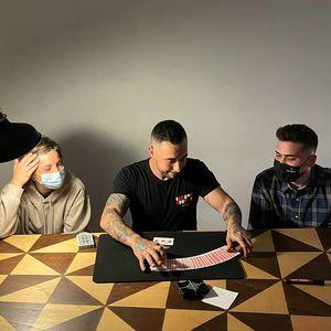 Benet Rovira presta servicio en la subcategoría de Magos en Barcelona