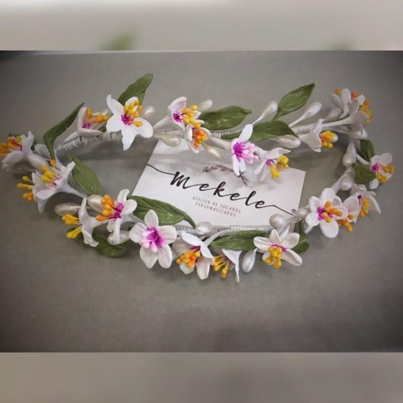 semicorona porceñna de la flor del almendro