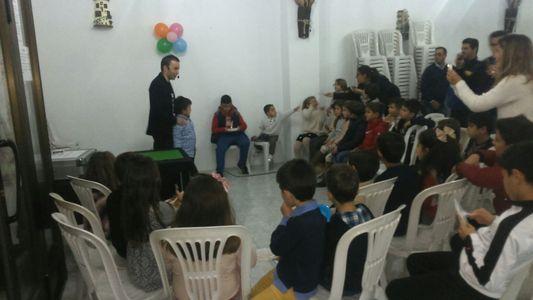 Mago Antonio Lepe presta servicio en la subcategoría de Magos para niños en Sevilla