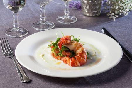 Lambel Catering presta servicio en la subcategoría de Catering bodas en Sevilla
