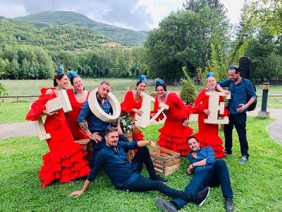 Coro Rociero Por Derecho presta servicio en la subcategoría de Flamenco y Coros Rocieros en Barcelona