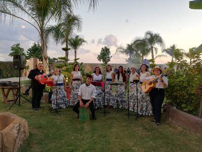 """Coro rociero """"Flor de Romero"""" presta servicio en la subcategoría de Flamenco y Coros Rocieros en Valencia"""