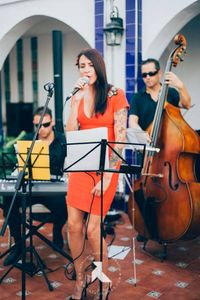 Vanessa Forti Jazz Band presta servicio en la subcategoría de Grupos de Jazz en Alicante