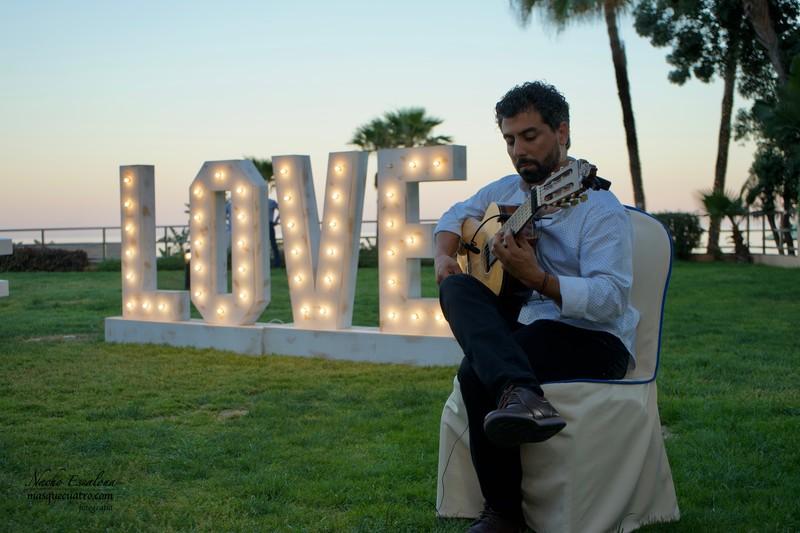 Amenización Guitarra Flamenca Cóctel de Bienvenida
