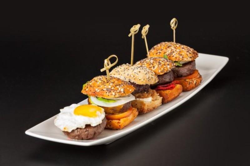 hamburguesitas rellenas de foie y queso de cabra