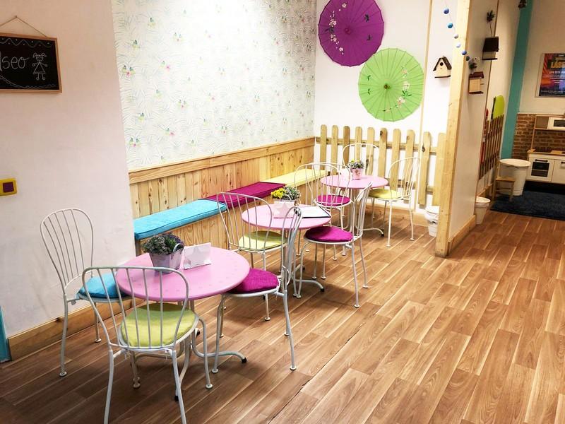 Cafetería para mamás y papás en Mon petit monde Hortaleza