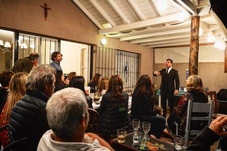 Ariel hamui mentalista presta servicio en la subcategoría de Magos en Barcelona