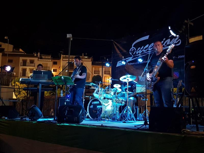 Grupo SUCESIÓN en directo