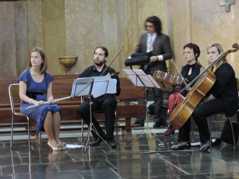 Flauta, violín, guitarra y cello. Boda