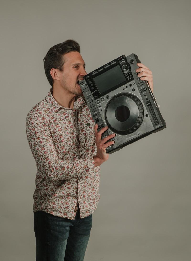 JAVI AMORES DJ