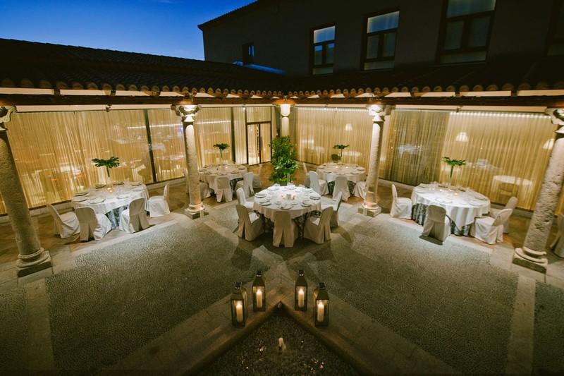 Banquete en el Patio Porticado