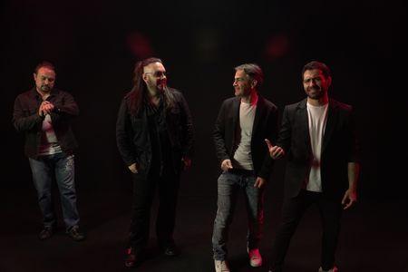 77 RPM presta servicio en la subcategoría de Grupos de Rock y Pop en Madrid