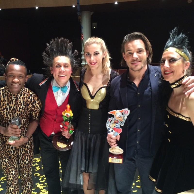 recibiendo el premio del circo de Albacete