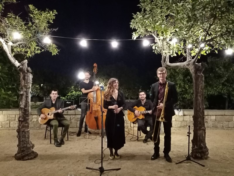 Acoustic Guiri Boda