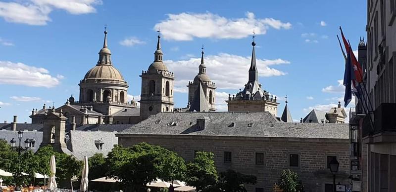 El entorno a 50 m. del Monasterio del Escorial