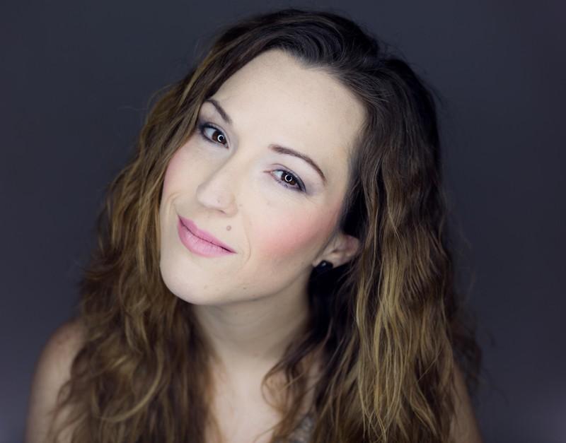 Lola López (voz)