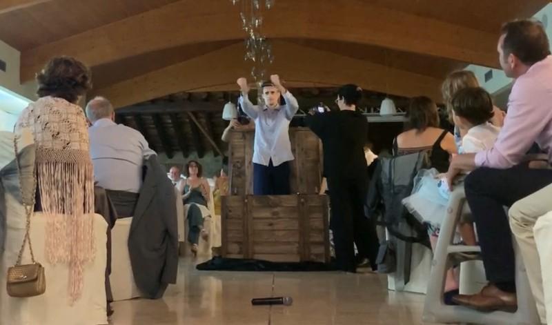 Magia con grandes ilusiones en una boda.