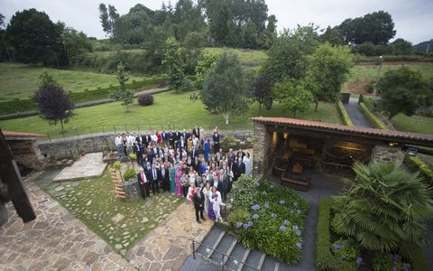 Ricardo Couselo Fotografia presta servicio en la subcategoría de Fotógrafos de bodas en A Coruña