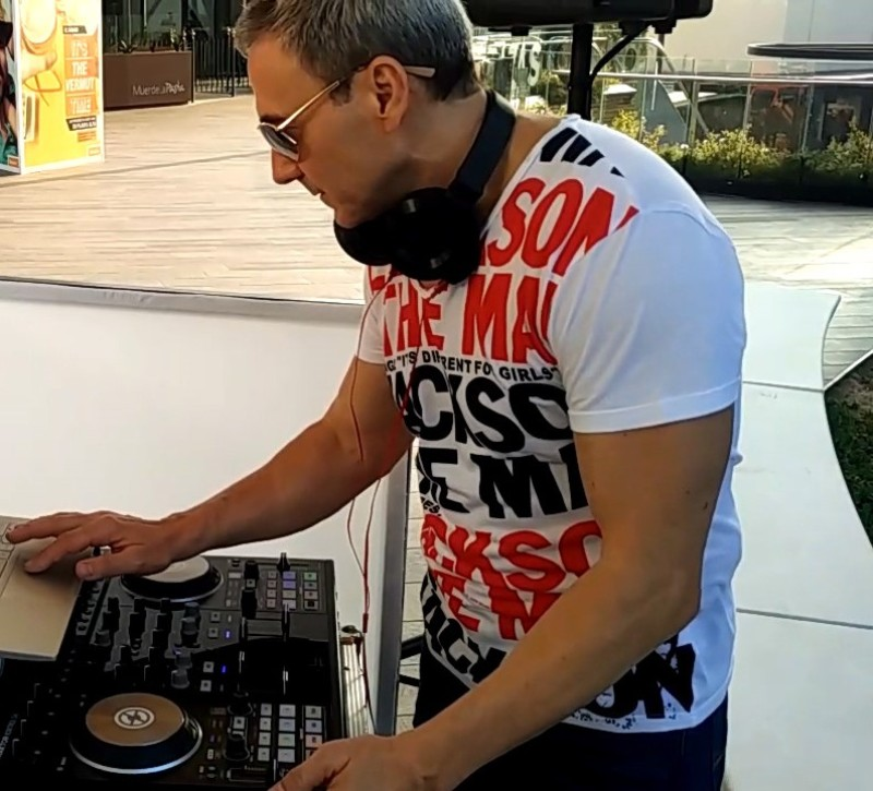 Amenización DJ Bonaire Shopping Center Valencia