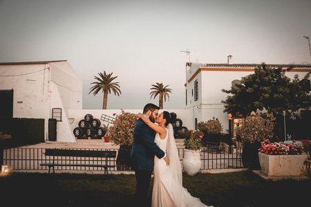 Laura Henrique Fotografía presta servicio en la subcategoría de Fotógrafos de bodas en Sevilla